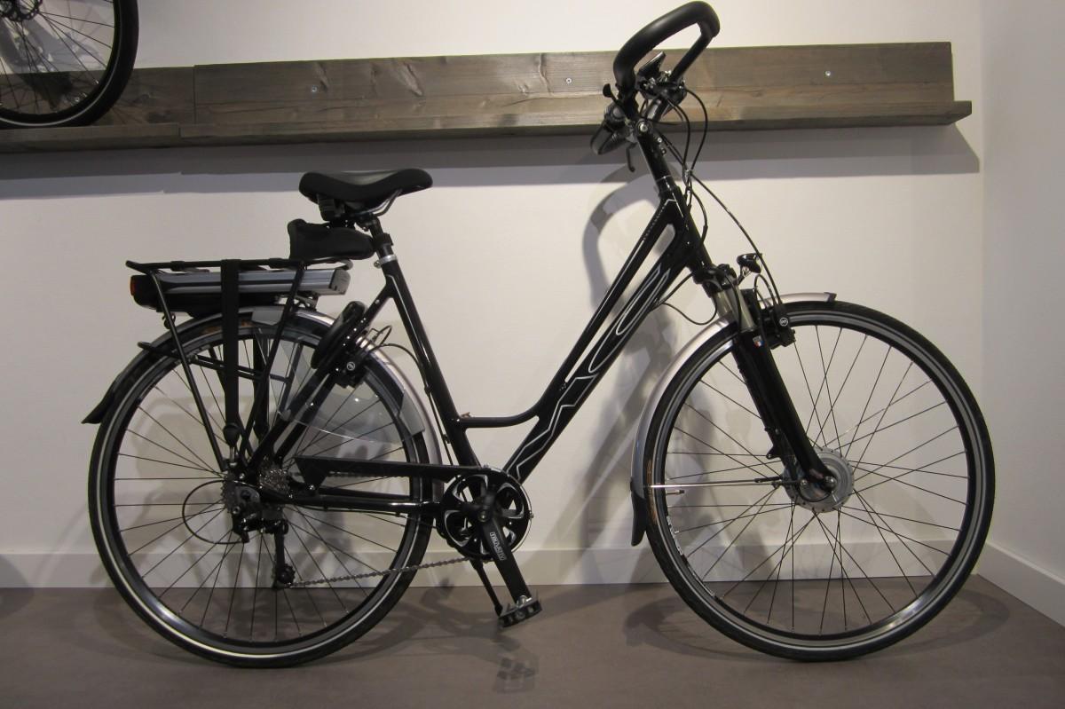 Multicycle Expressive-SE Premium Phantom Black Metallic Dames